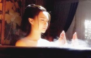 女星这样拍洗澡戏